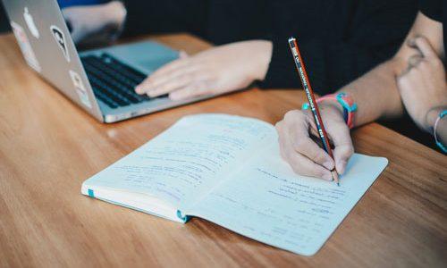 雇用契約、社則の見直しを
